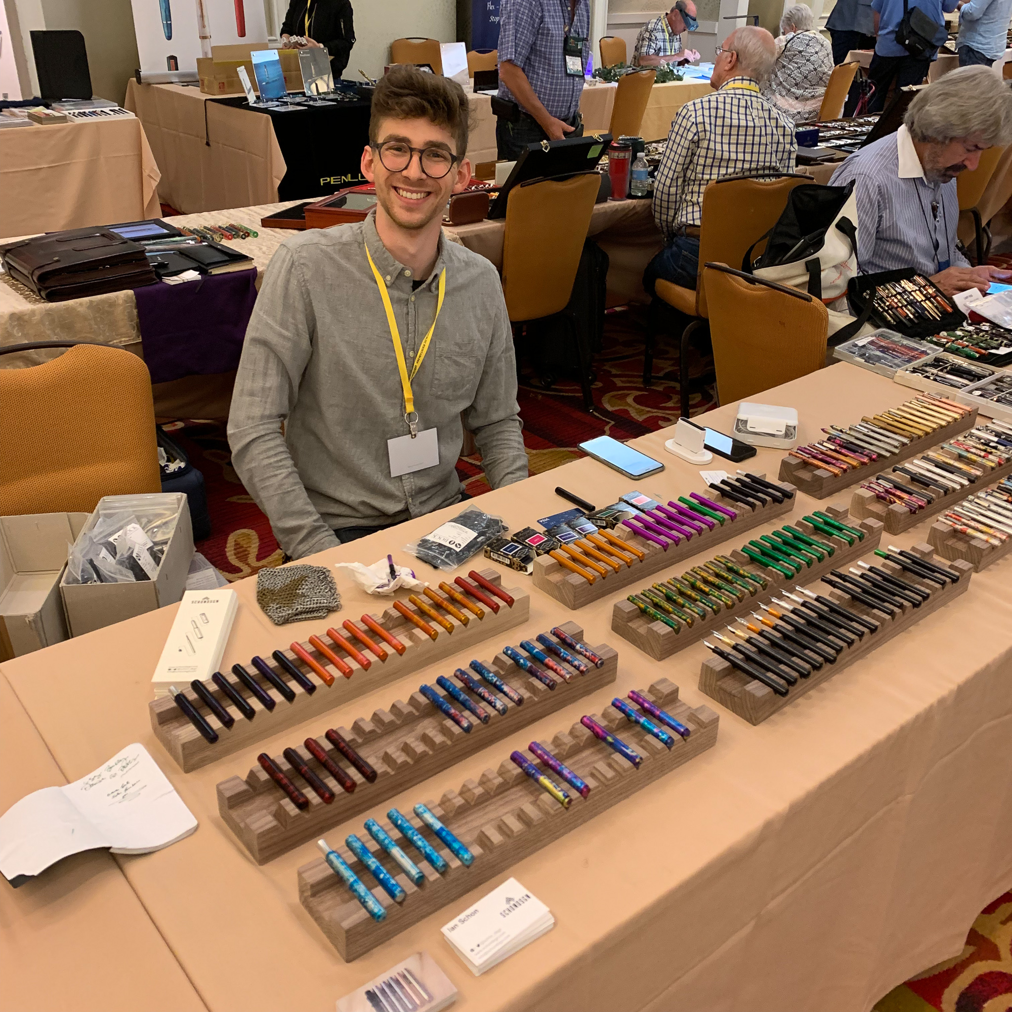 Ian Schon of  Schon DSGN  brought his new pocket fountain pen! I didn't get a chance to come back and see him on Saturday, but