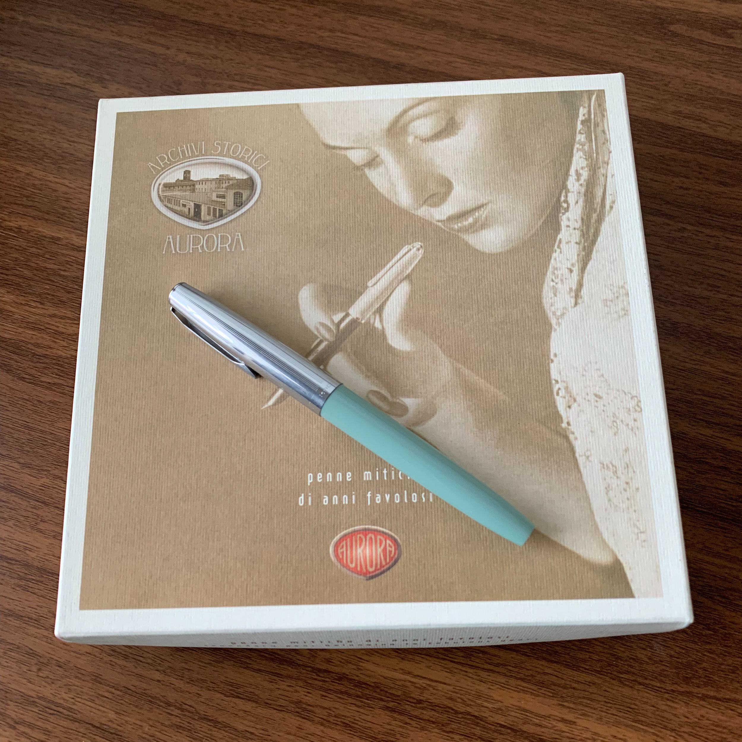 "I tend to ignore packaging, but the delivery on Aurora's ""Archivi Storici"" line is top notch. As shown in the ""open-box"" view below, you get a bottle of ink, converter, and cartridges along with your pen - everything you need to get writing straight away."