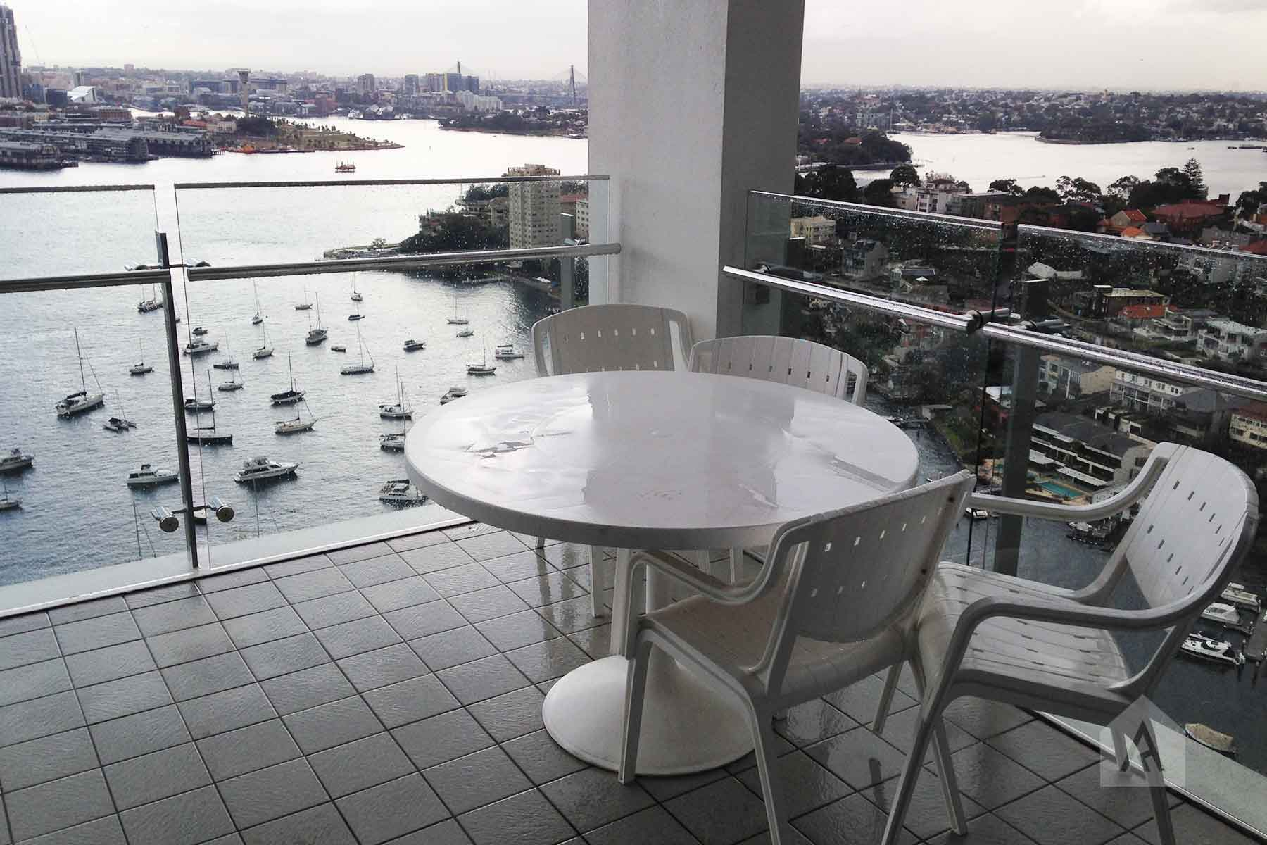 ©-Adam-Robinson-Design-Milson's-Point-Balcony-by-Chanelle-Ockenden-03.jpg