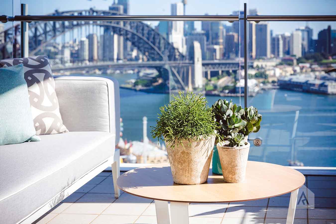 ©-Adam-Robinson-Design-Milson's-Point-Balcony-by-Chanelle-Ockenden-07.jpg