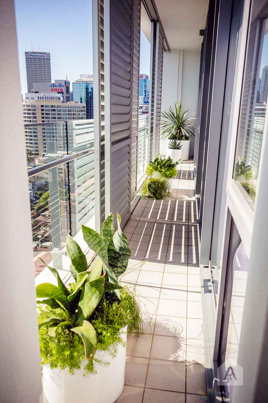 ©-Adam-Robinson-Design-Milson's-Point-Balcony-by-Chanelle-Ockenden-12.jpg