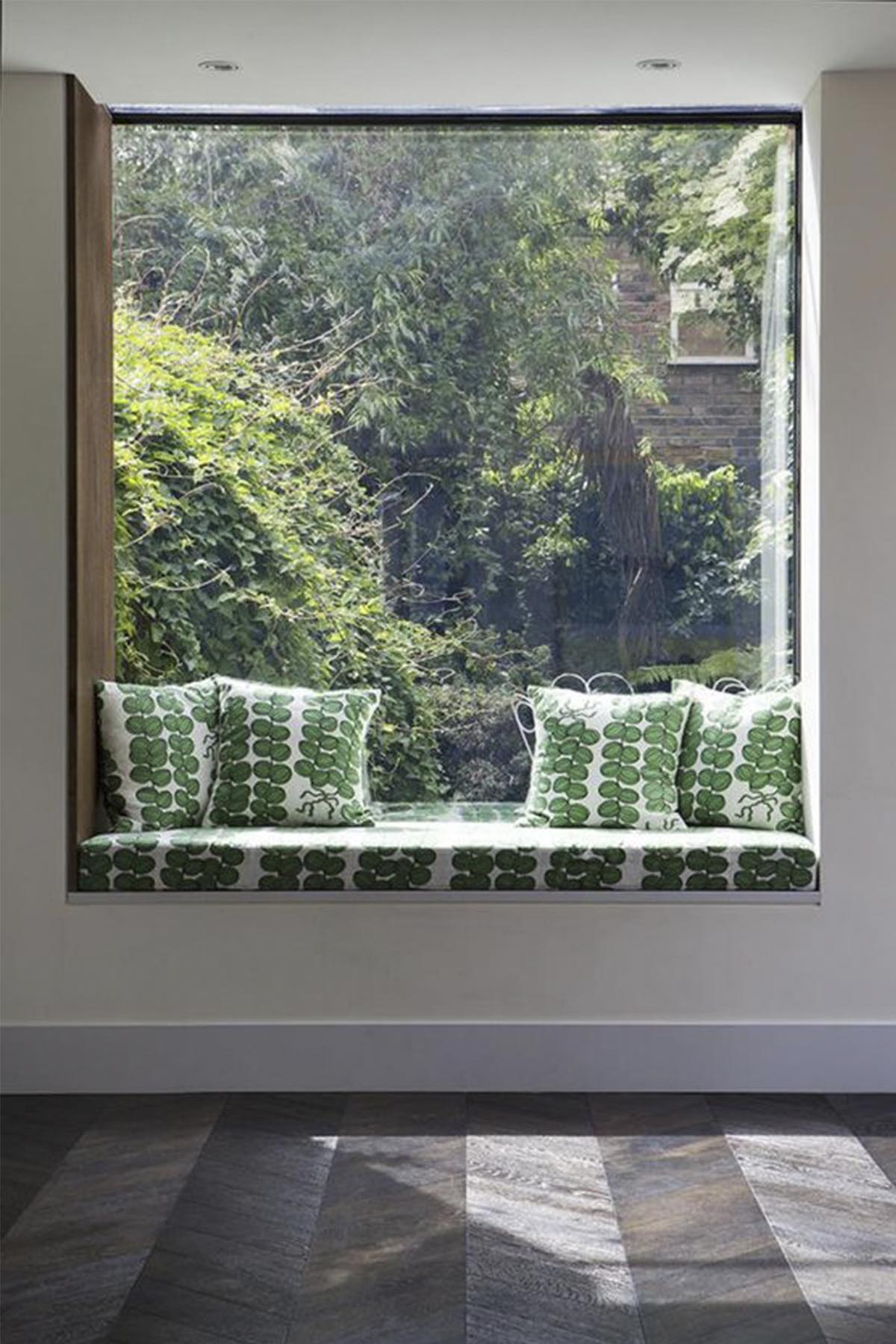 © Adam Robinson Design  Window Seats 02.jpg
