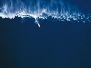 big-wave-surfer-adventure_22948_600x450