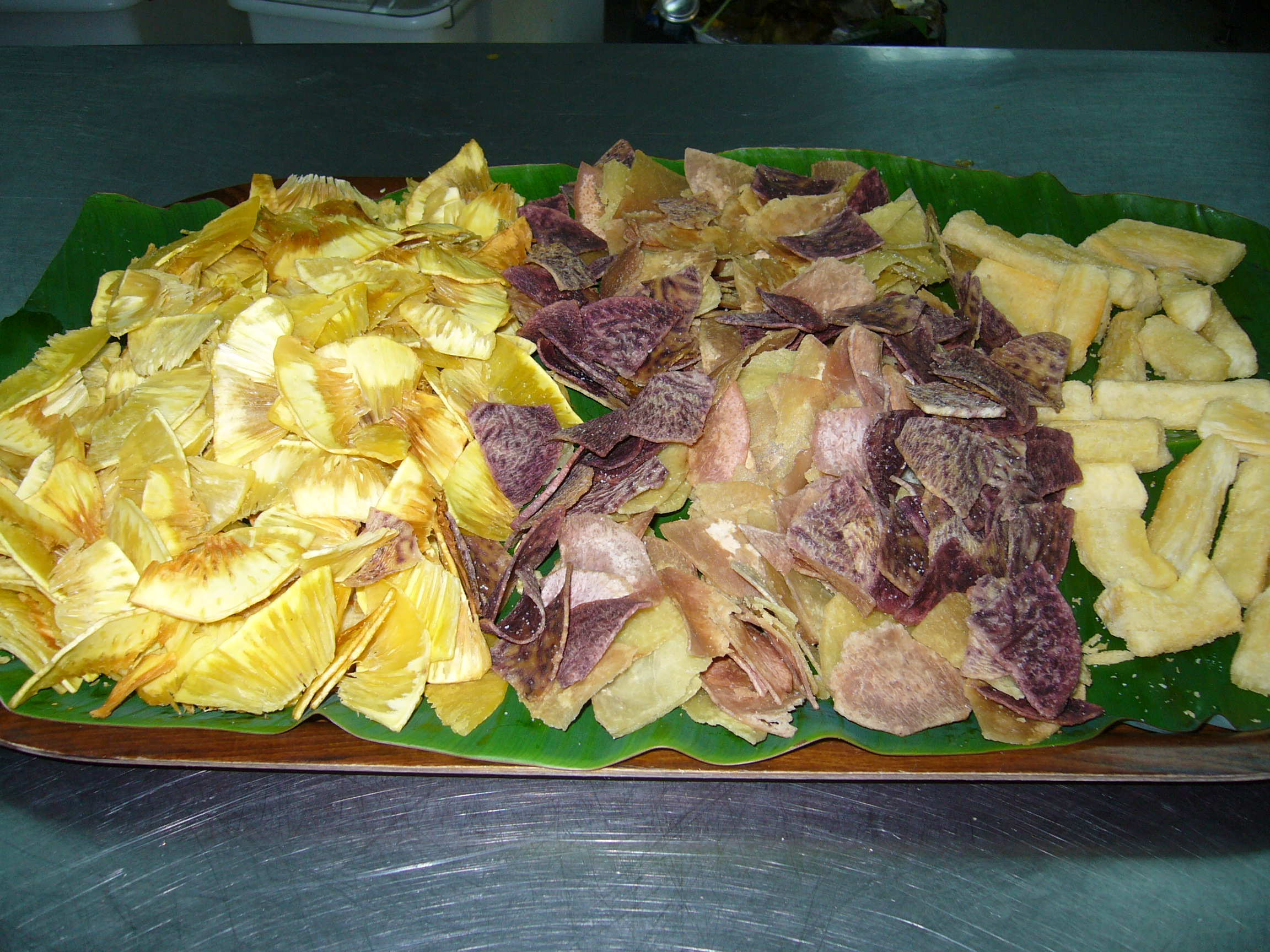 SELECTION OF ISLAND CHIPS