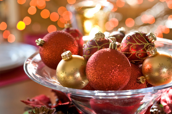 christmas-centerpiece-ornaments.jpg