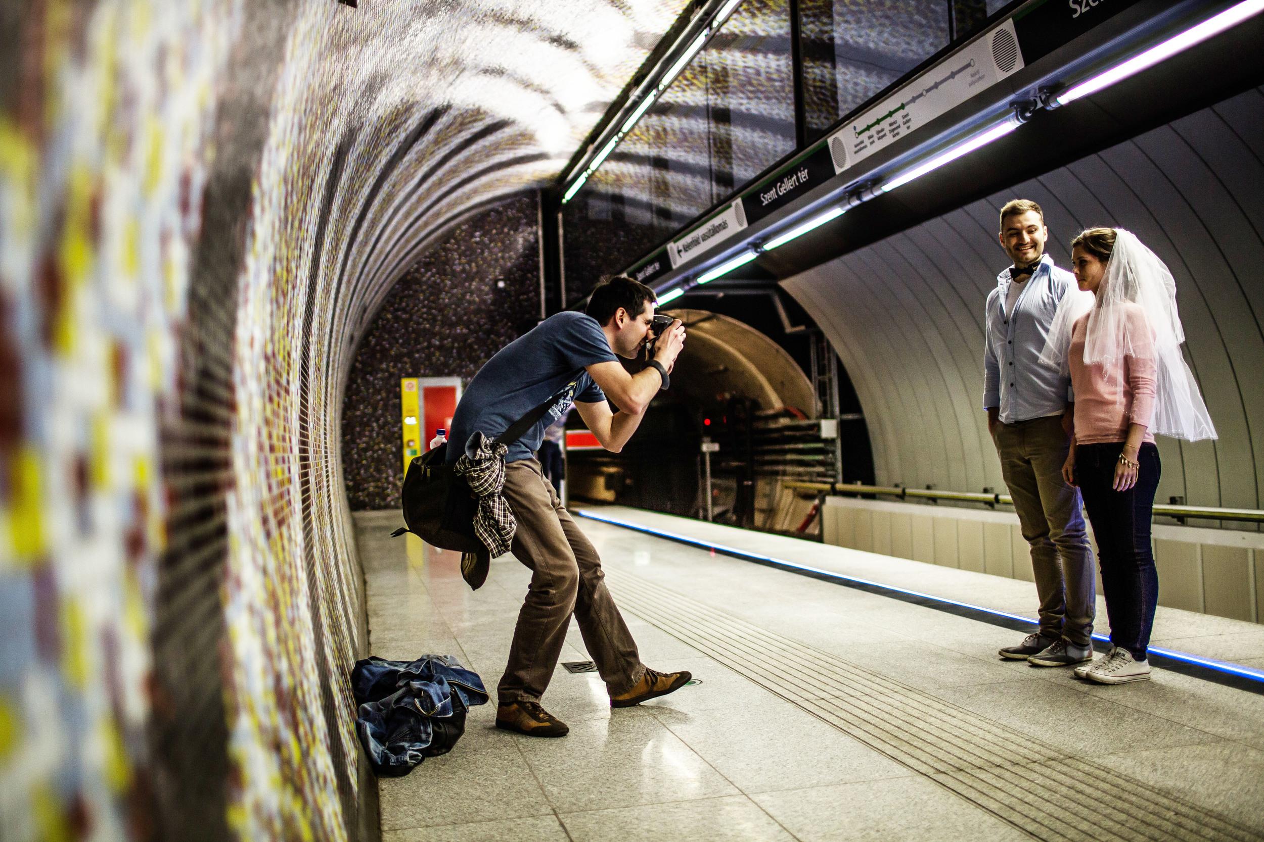 A budapesti metróállomások három amerikai és egy svájci állomással versenyeztek, végül a zsűri díját és a közönségdíjat is hazavihették. A Fővám téri és a Szent Gellért téri megálló egy fiatal magyar építésziroda, a Spora Architects munkája.