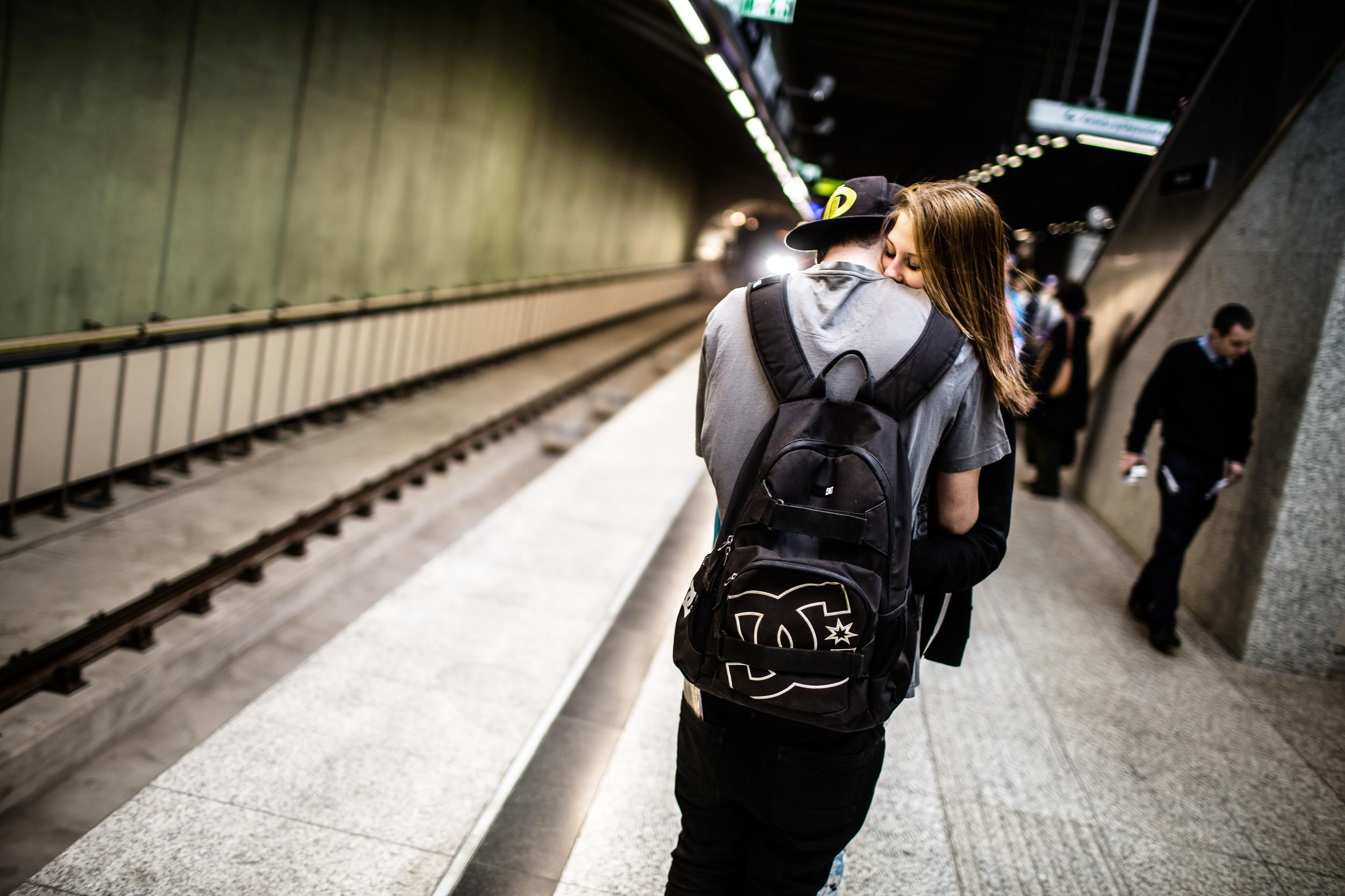 Több mint harmincöt évet kellett várni arra, hogy önálló metróvonalat avassanak Budapesten. A hetvenes évek óta tervezték már, de csak mostanra lett valóságos.