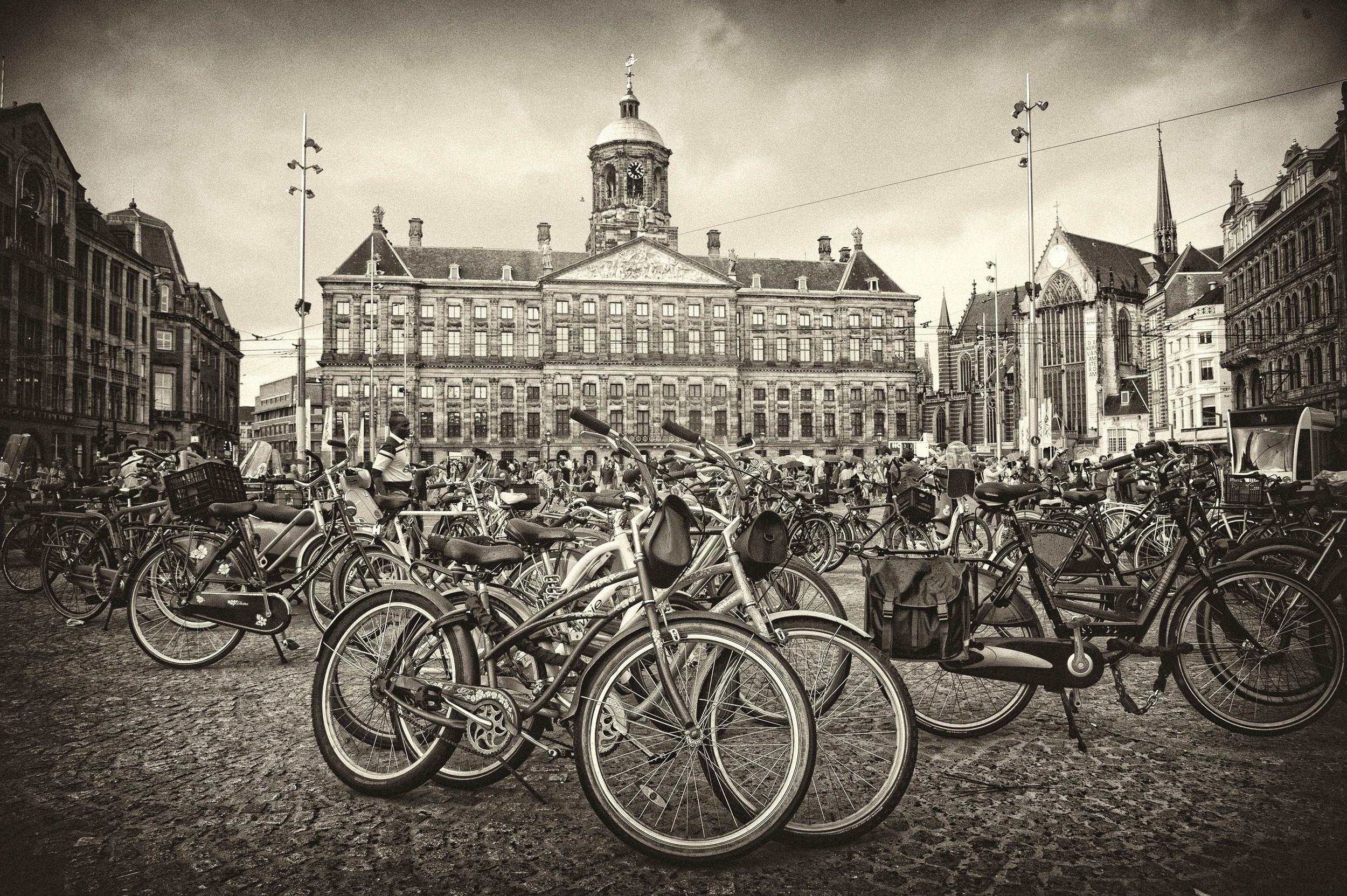 dam square amsterdam.jpg