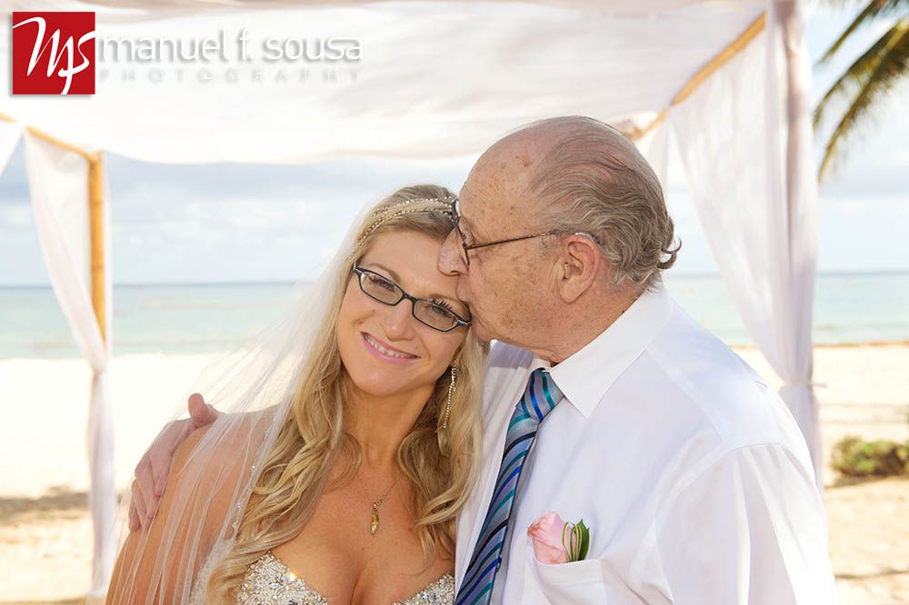 destinationweddingphotography-04.jpg