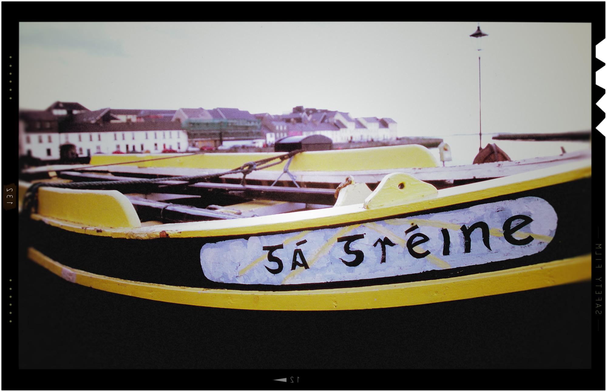 blackyellowboat.jpg