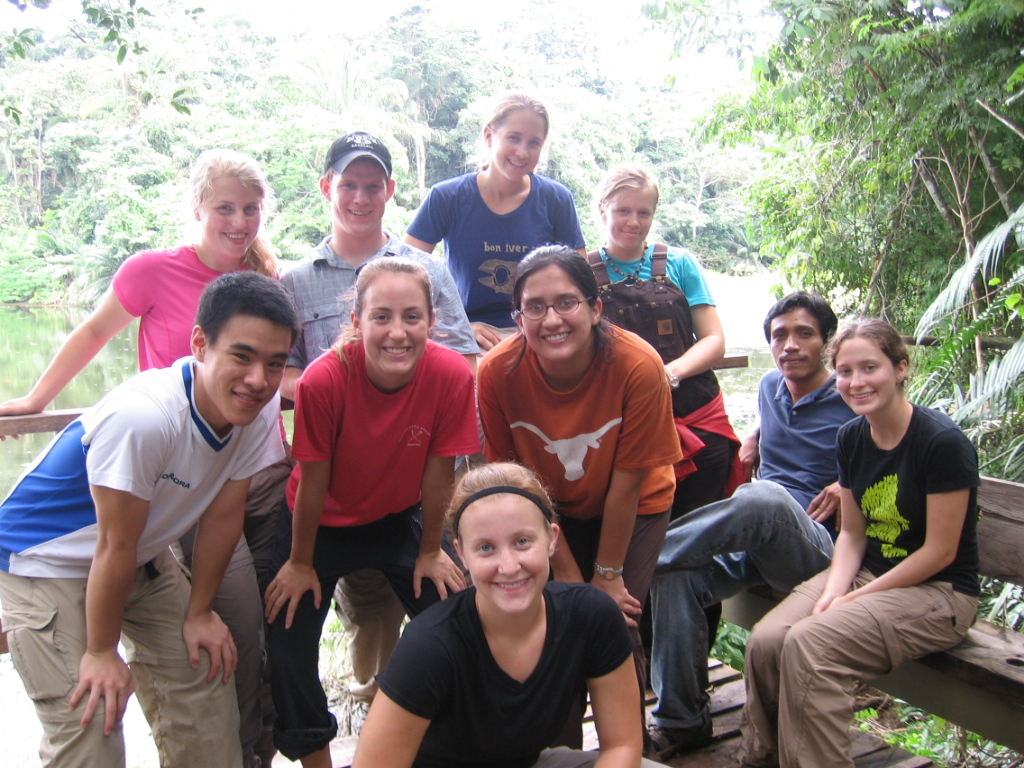 A handful of us from the SIT Panama Fall 2008 class started Few for Change after a life-changing experience in the Comarca Ngäbe-Buglé.