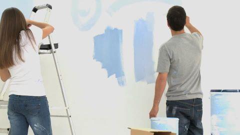 paint-roller-paint-bucket-do-it-yourself-renovating.jpg