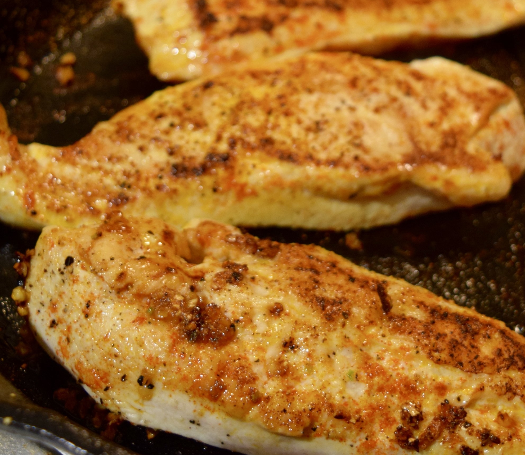 chicken_breast_seared_cast_iron_skillet.jpg