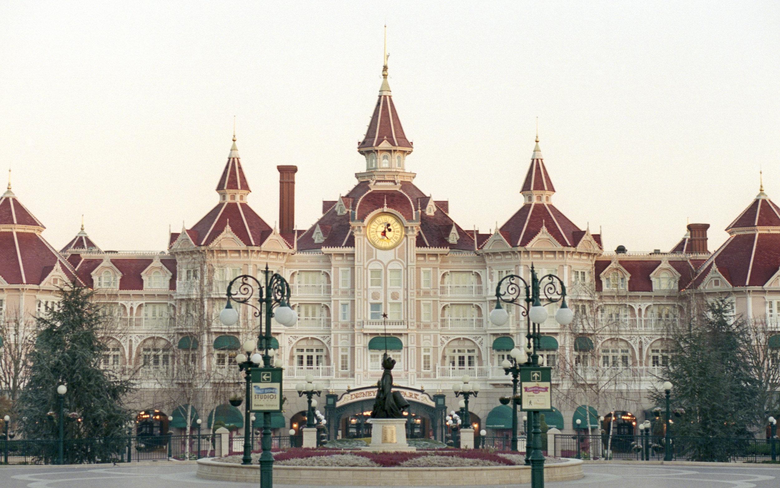 Disneyland Paris Hotel, 2019