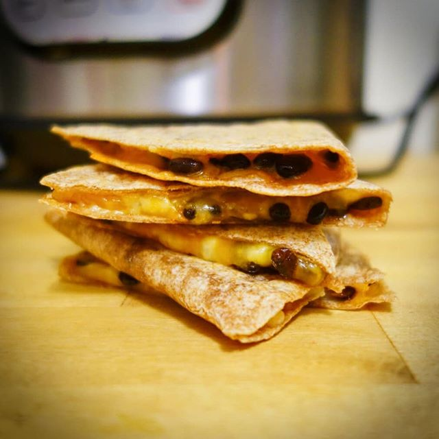 Experimenting with @nyrture's black soybean natto in a spicy quesadilla #cookuary #natto #vitamink2