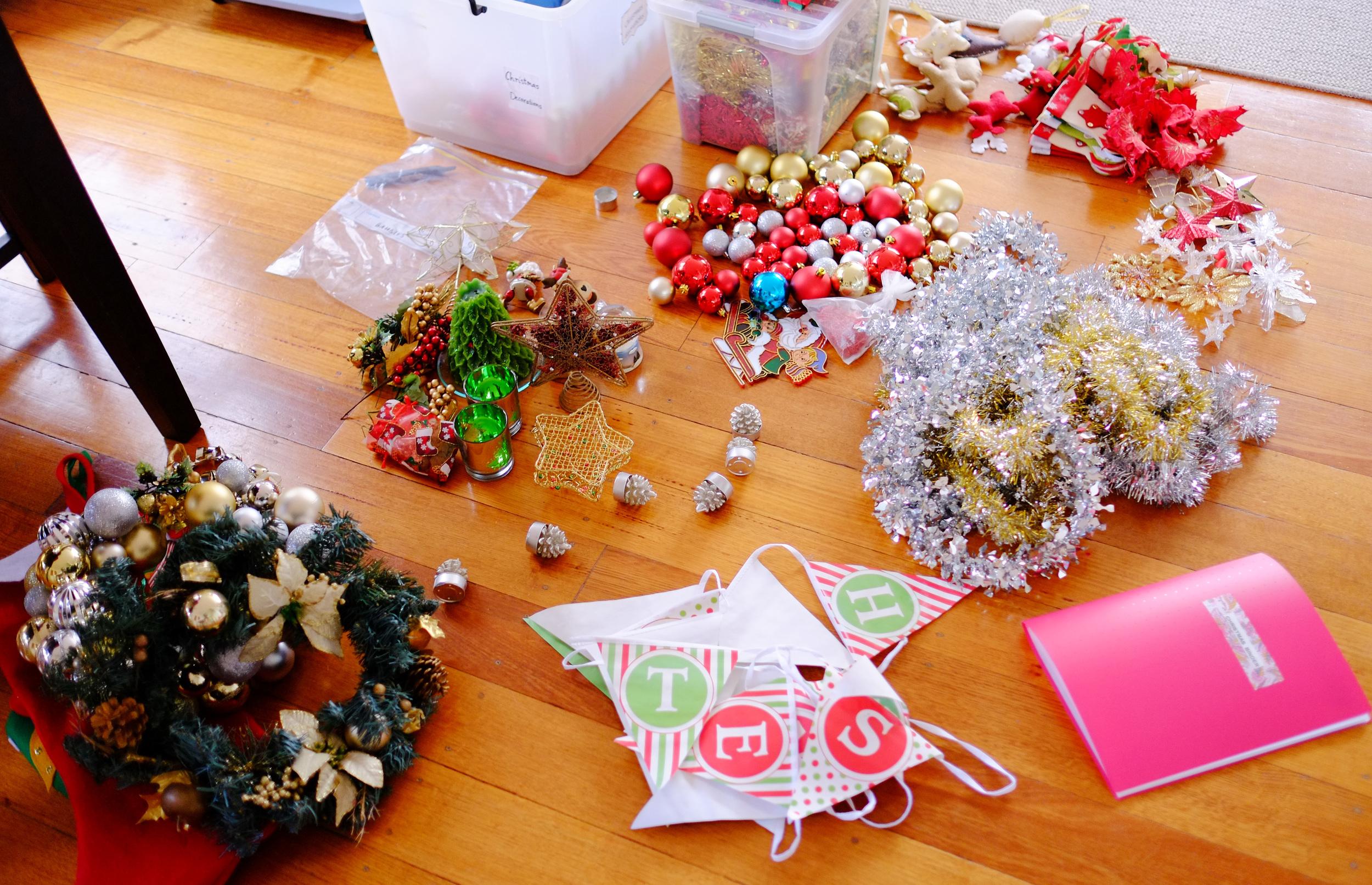 Christmas decoration organisation