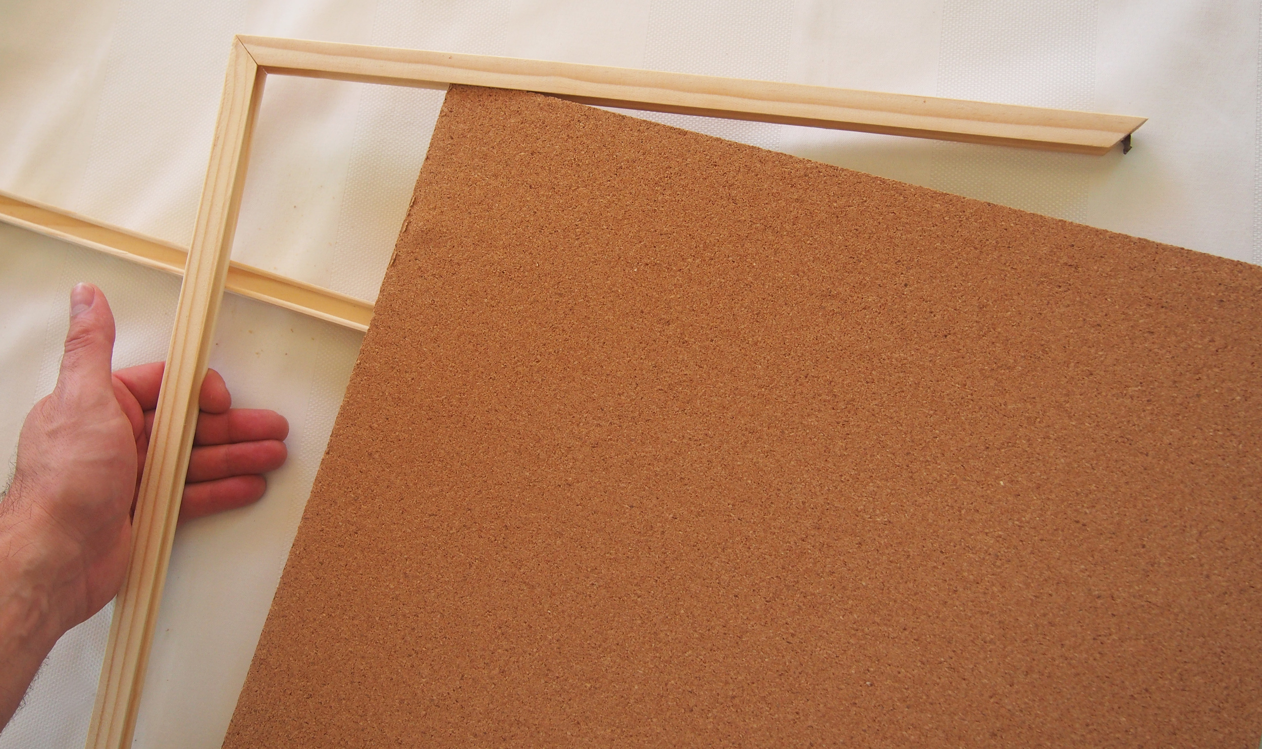 frame apart from cork board
