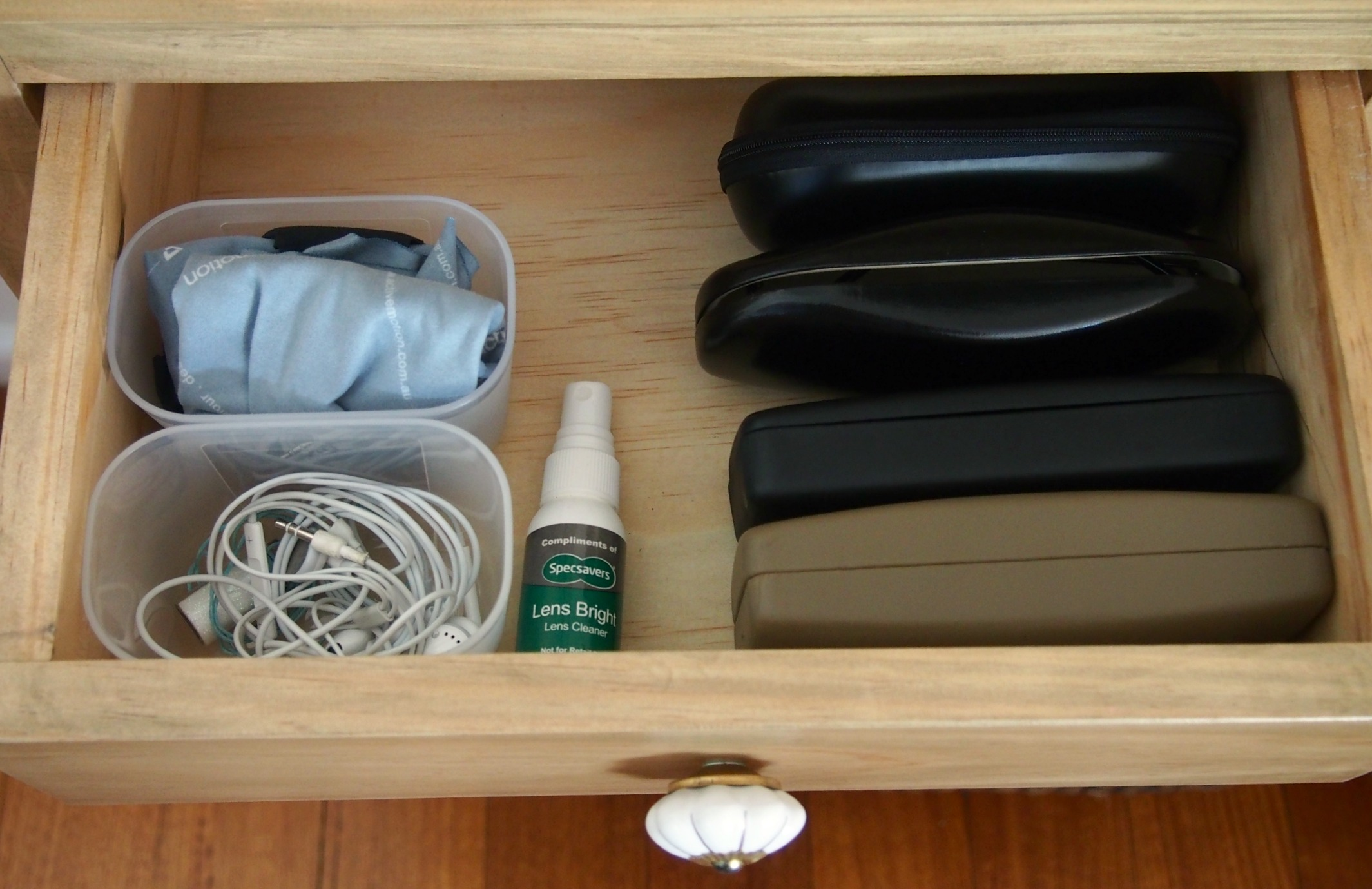 console drawer organisation