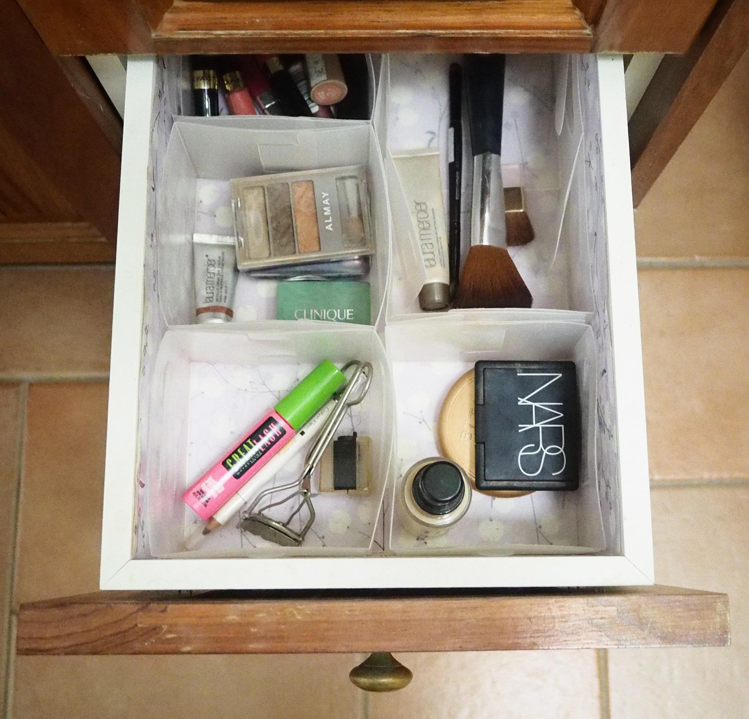 organised makeup