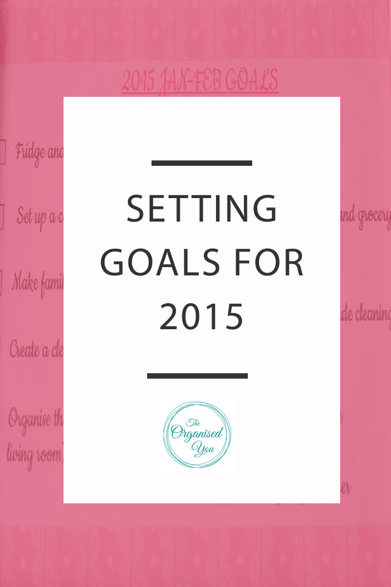 Setting Goals for 2015 - instead of setting New Years' Resolutions that are hard to stick to, I prefer to set goals, and specifically organising goals for the first few months of the year. January is the perfect time for a reset and refresh of your home so it's great to set some goals in place for getting it decluttered and organised! Click through to read how I set goals for our home