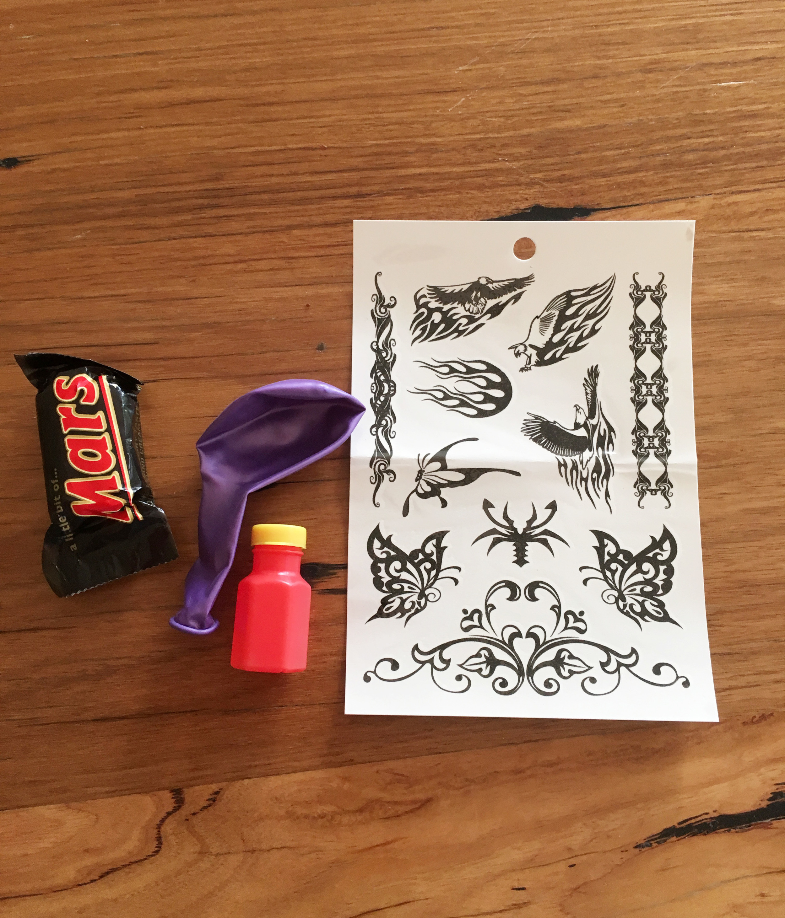 Lolly bag contents for kids' party