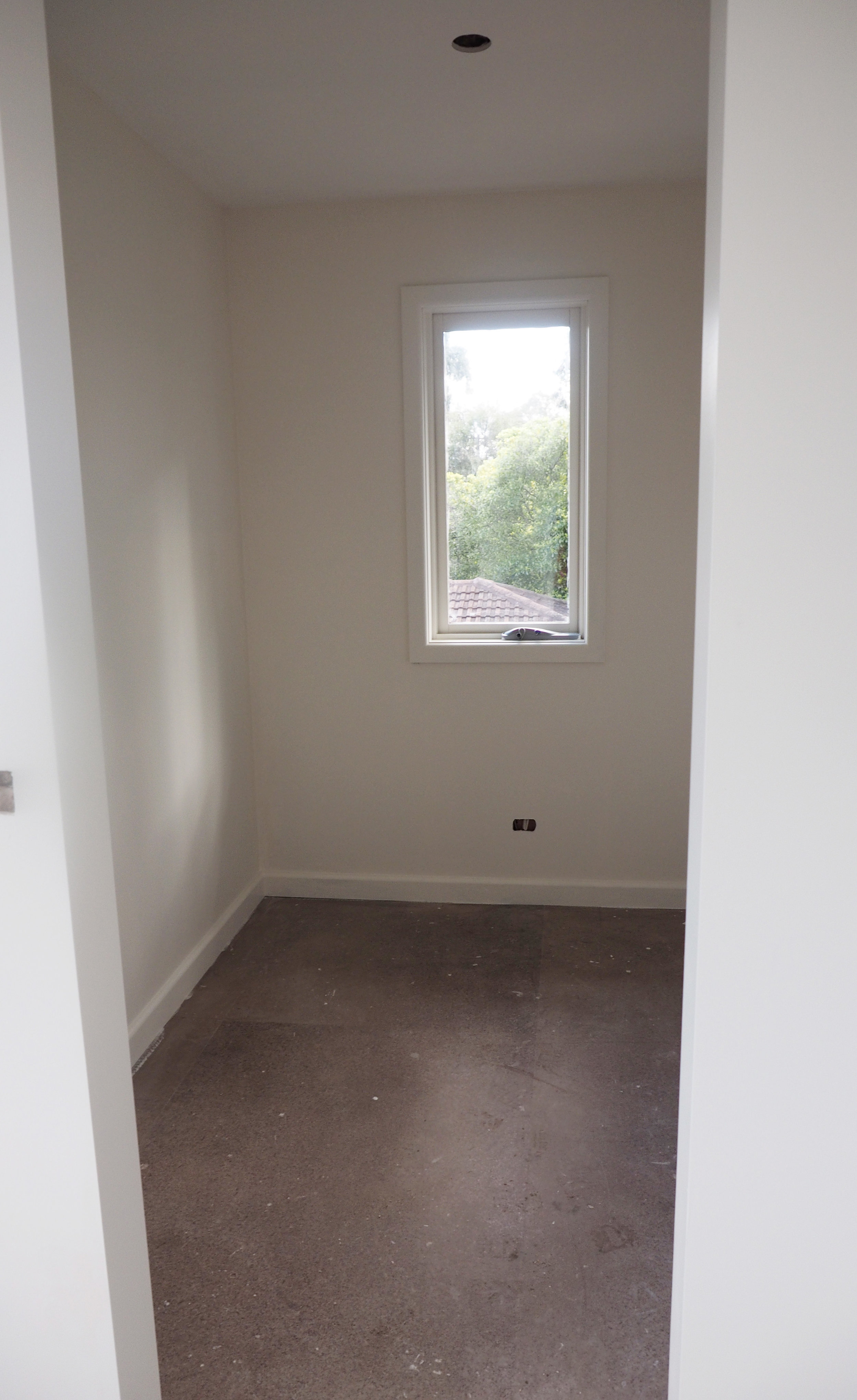 walk in wardrobe in our newly renovated bedroom - The Organised You