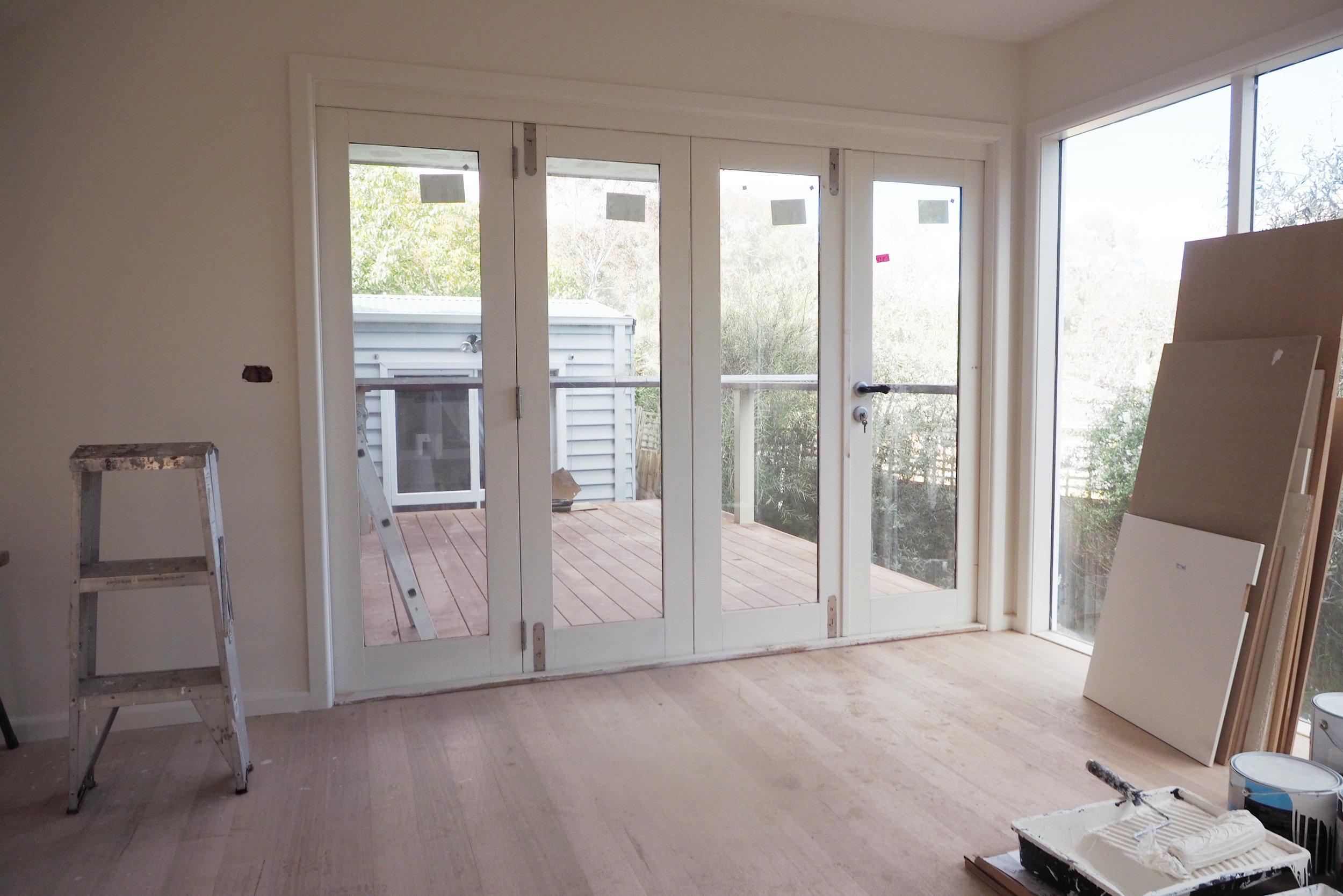 Bi-fold doors leading out to the deck - The Organised You