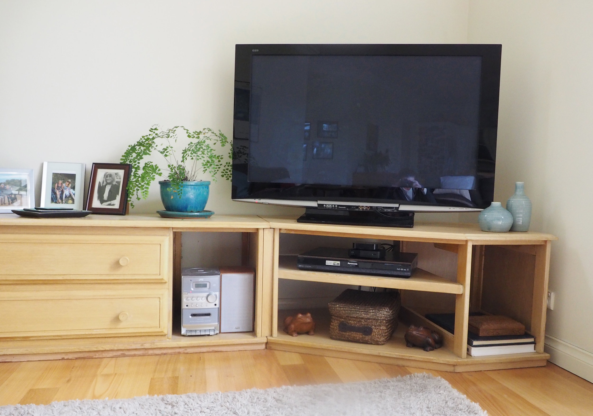 A neat and organised TV unit - The Organised You