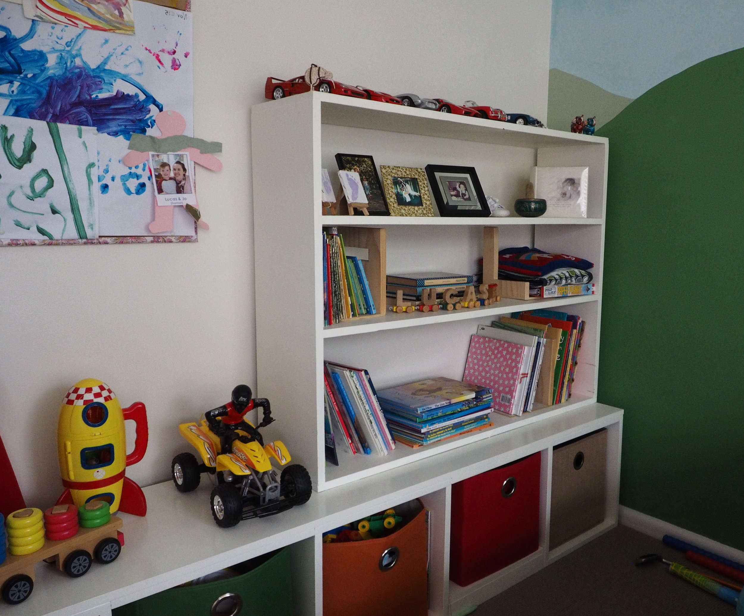 Kids bedroom decor and toy storage - The Organised You