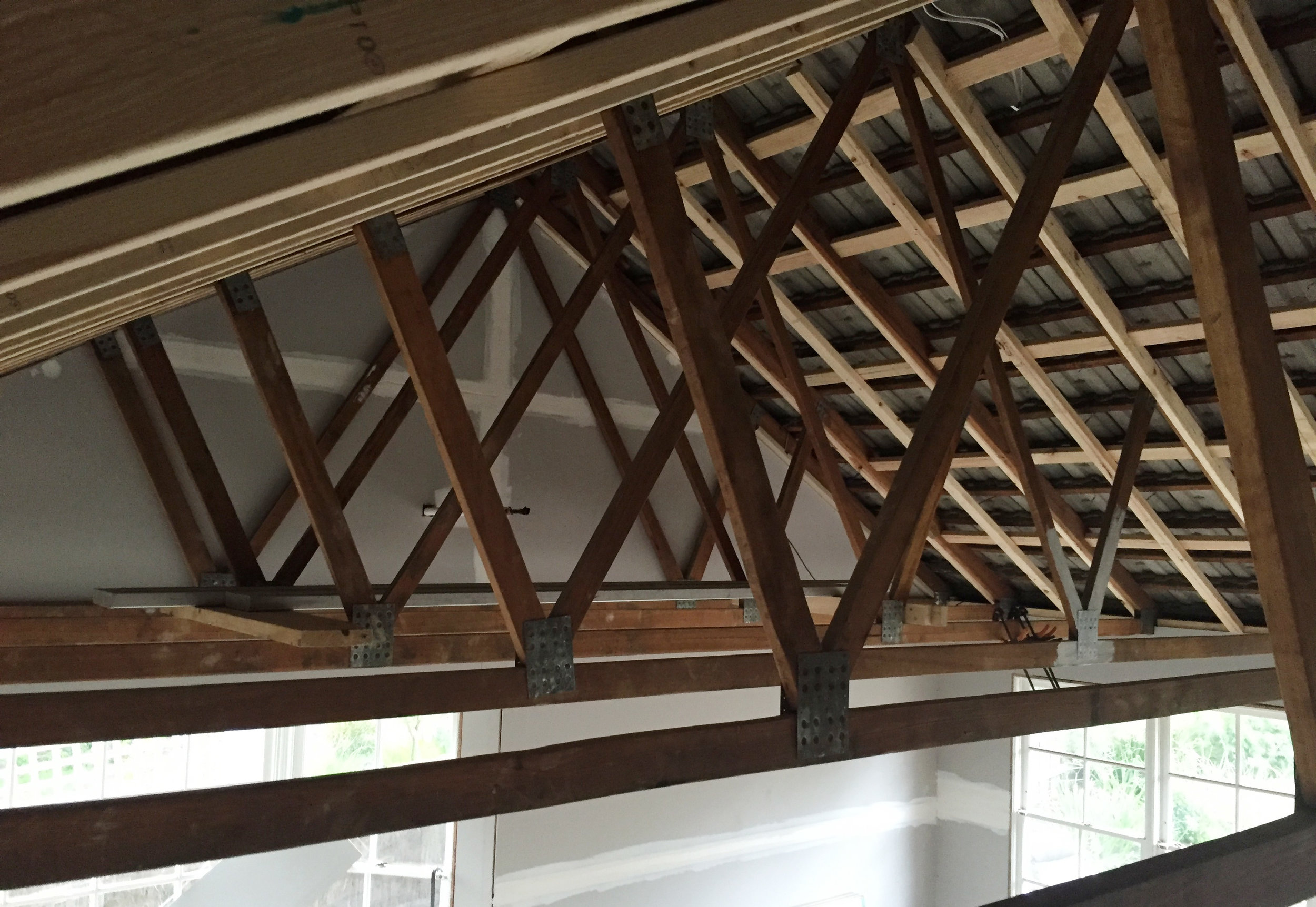 Exposing beams in the living room - The Organised You