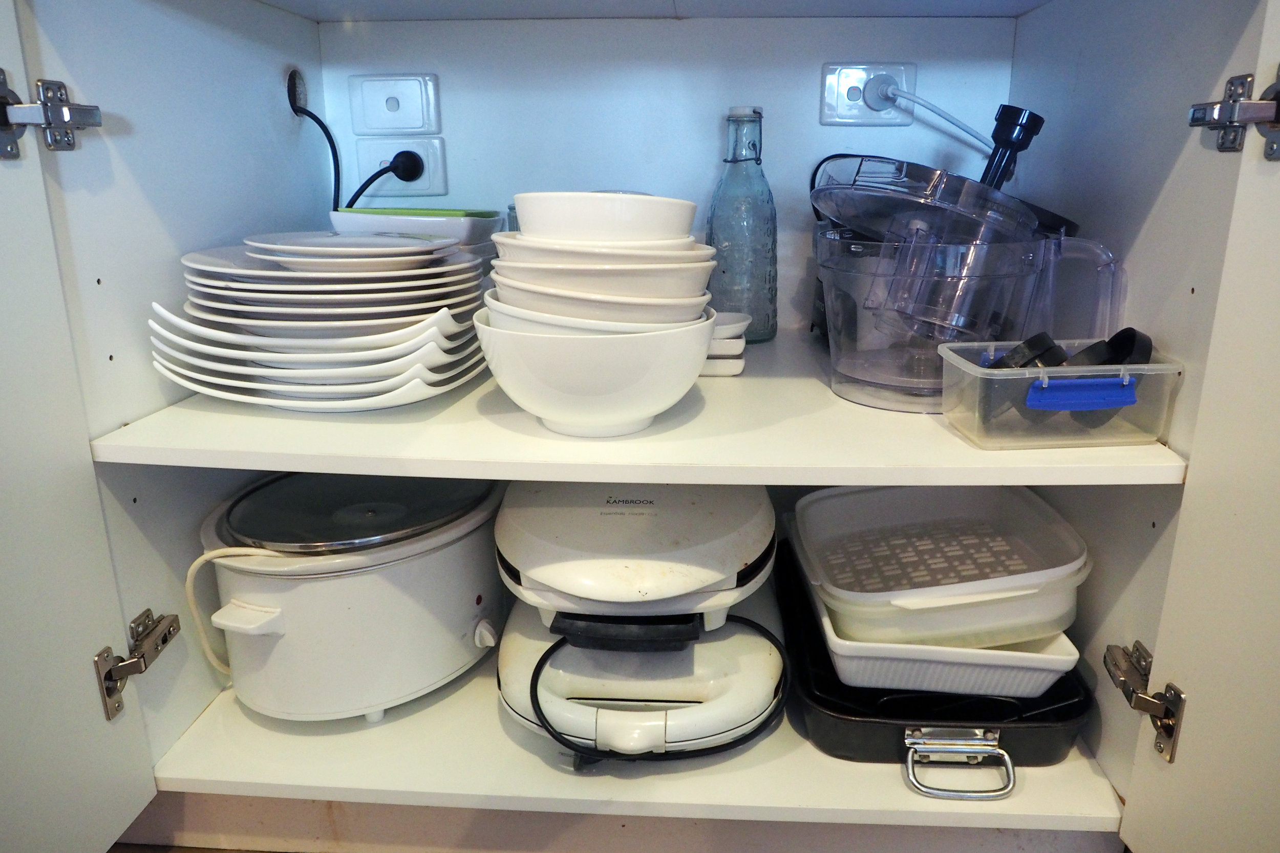 Kitchen makeover -  a clear, organised, efficient kitchen {The Organised You}
