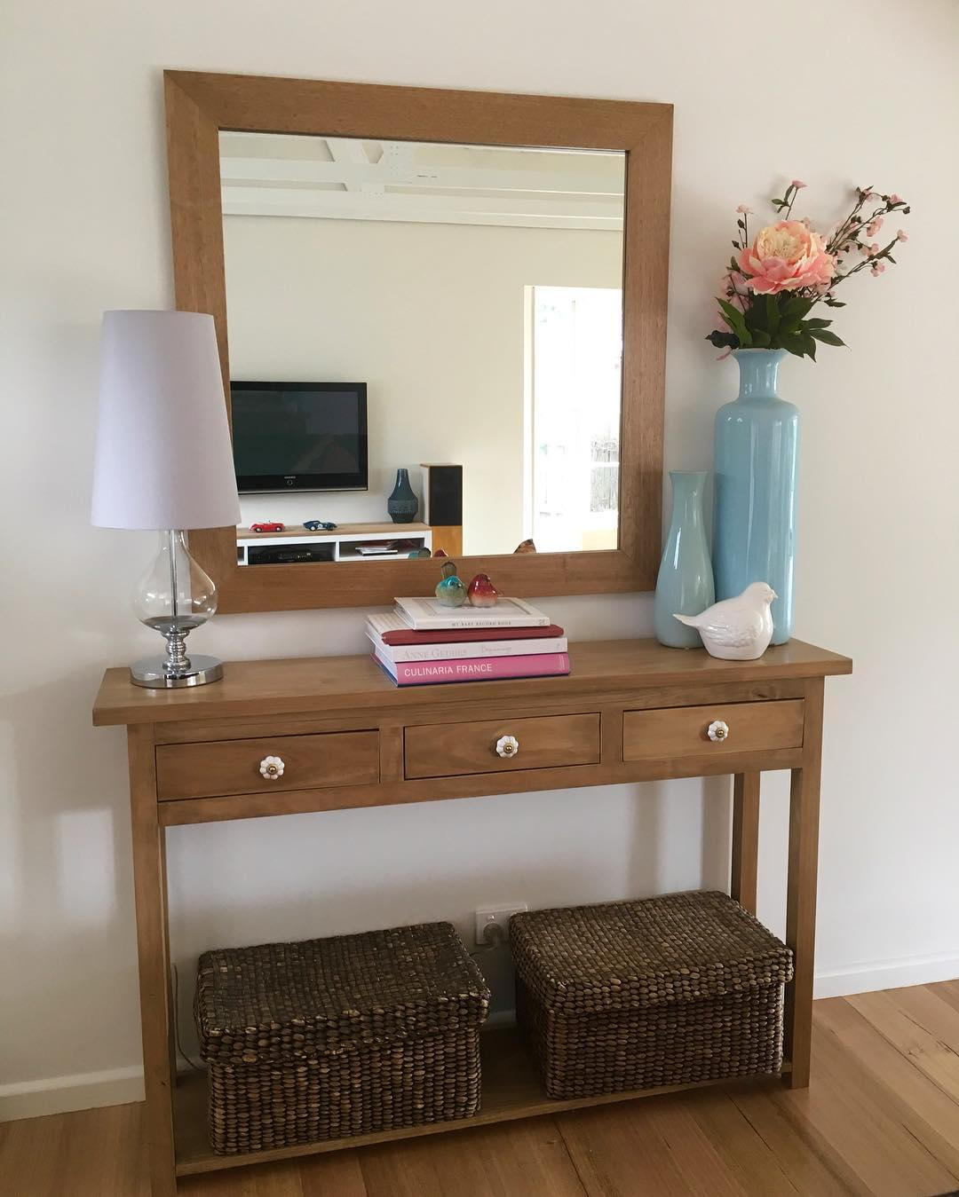 An organised entryway gives you a central drop spot for all the things you need as you rush out the door in the morning - a huge time and stress saver! {The Organised You}