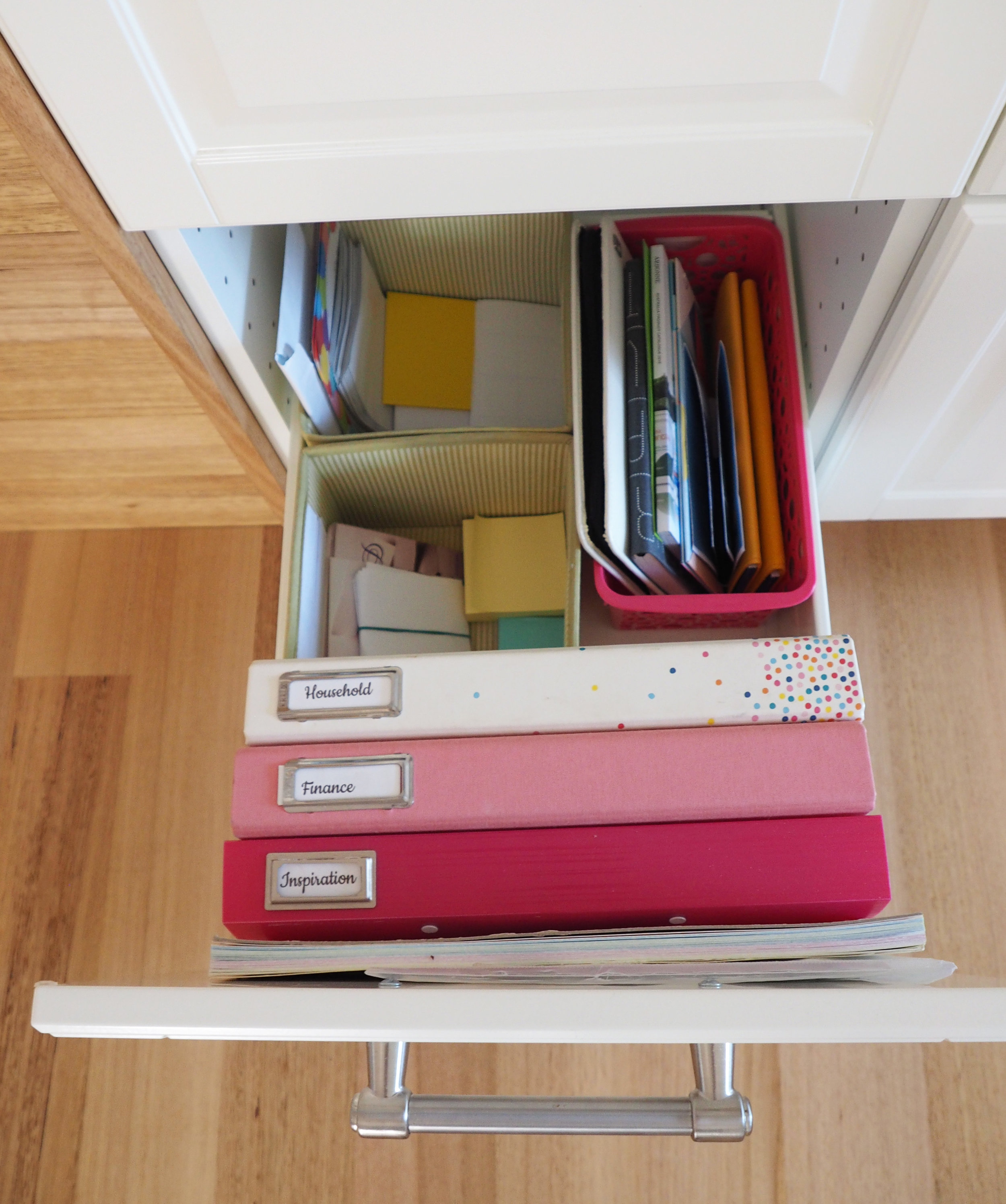 A household binder and finance binder keep you on track with important information and make everything accessible and easy to find {The Organised You}