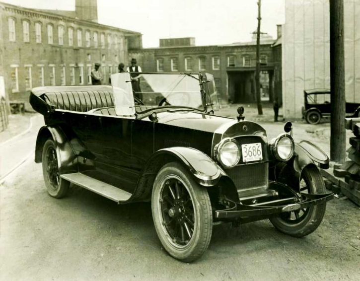 1920 Cadillac Type 59 GWM with body by Hollander & Morrill, who occupied Mill 2 from 1918 to 1925. Photo taken in the Upper Millyard about 1922.