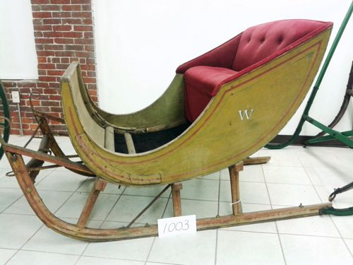 1003 reproduction sleigh side view 500x375 a.jpg