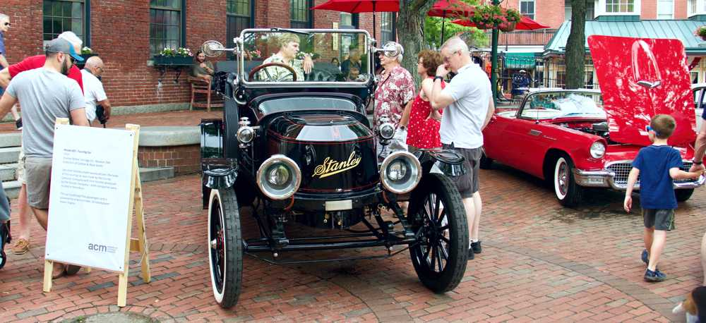 Mark & Debbie Smith's 1914 Stanley won best in show!