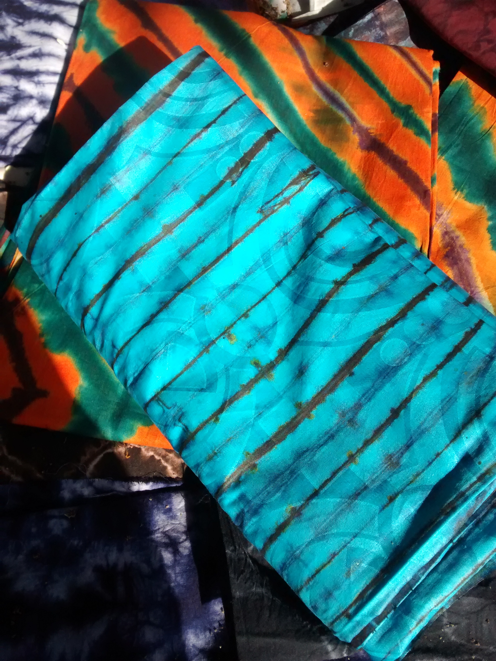 Cotton Damask cloth tie-dyed to perfection. LOVE. (now mine)