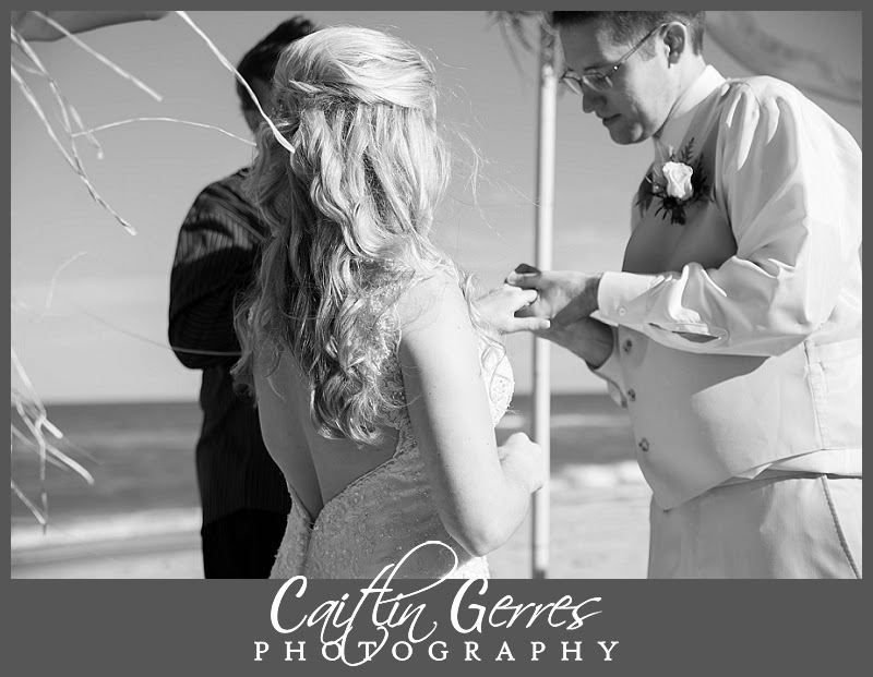 Shifting+Sands+Virginia+Beach+Wedding-27_DSK.jpg