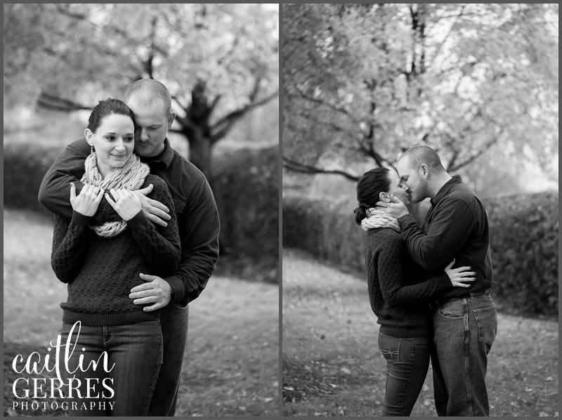 Chesapeake Park Fall Engagement Session Photo-5_DSK.jpg