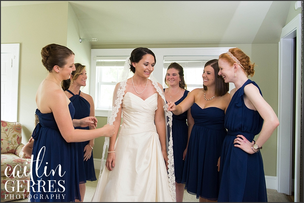 Navy Portsmouth Women's Club Wedding-15_WEB.jpg