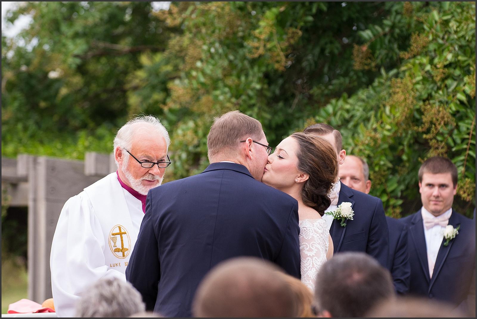 Blush and Navy Norfolk Botanical Gardens Wedding Photo-219_WEB.jpg