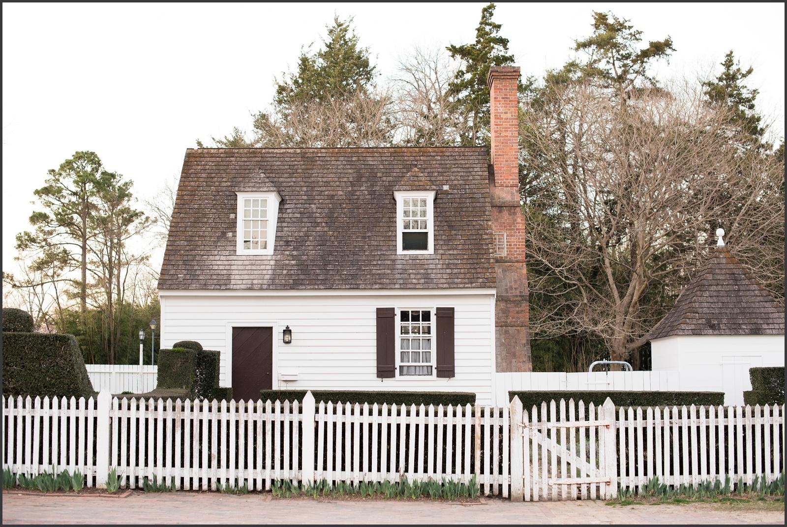 Colonial Williamsburg Engagement Portraits-182_WEB.jpg