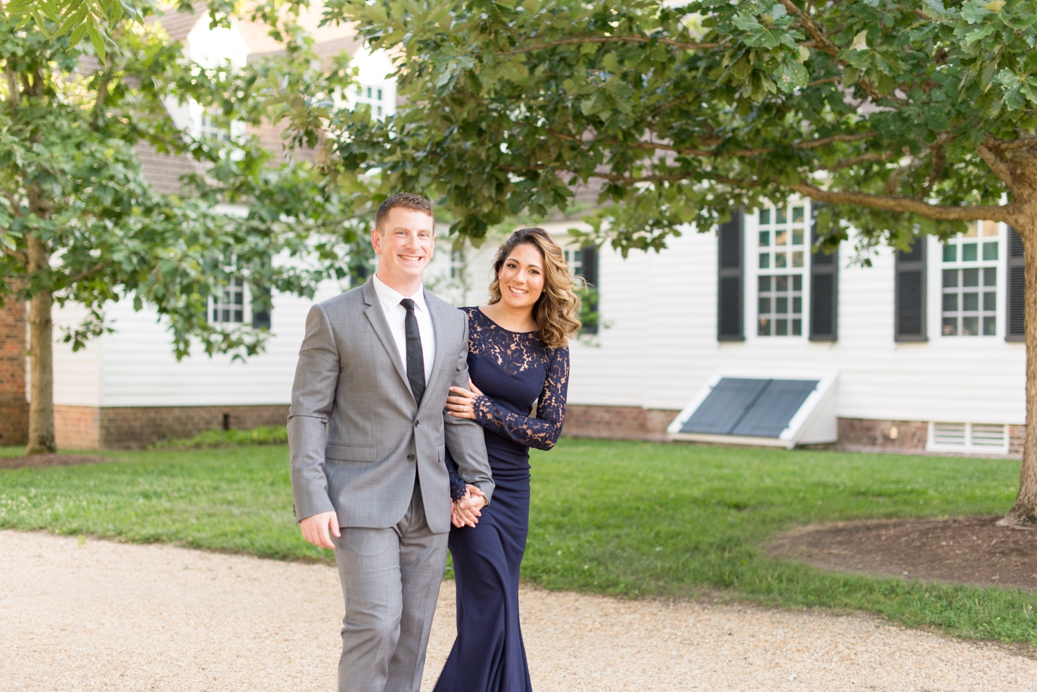 Colonial Williamsburg Engagement Session-133.jpg