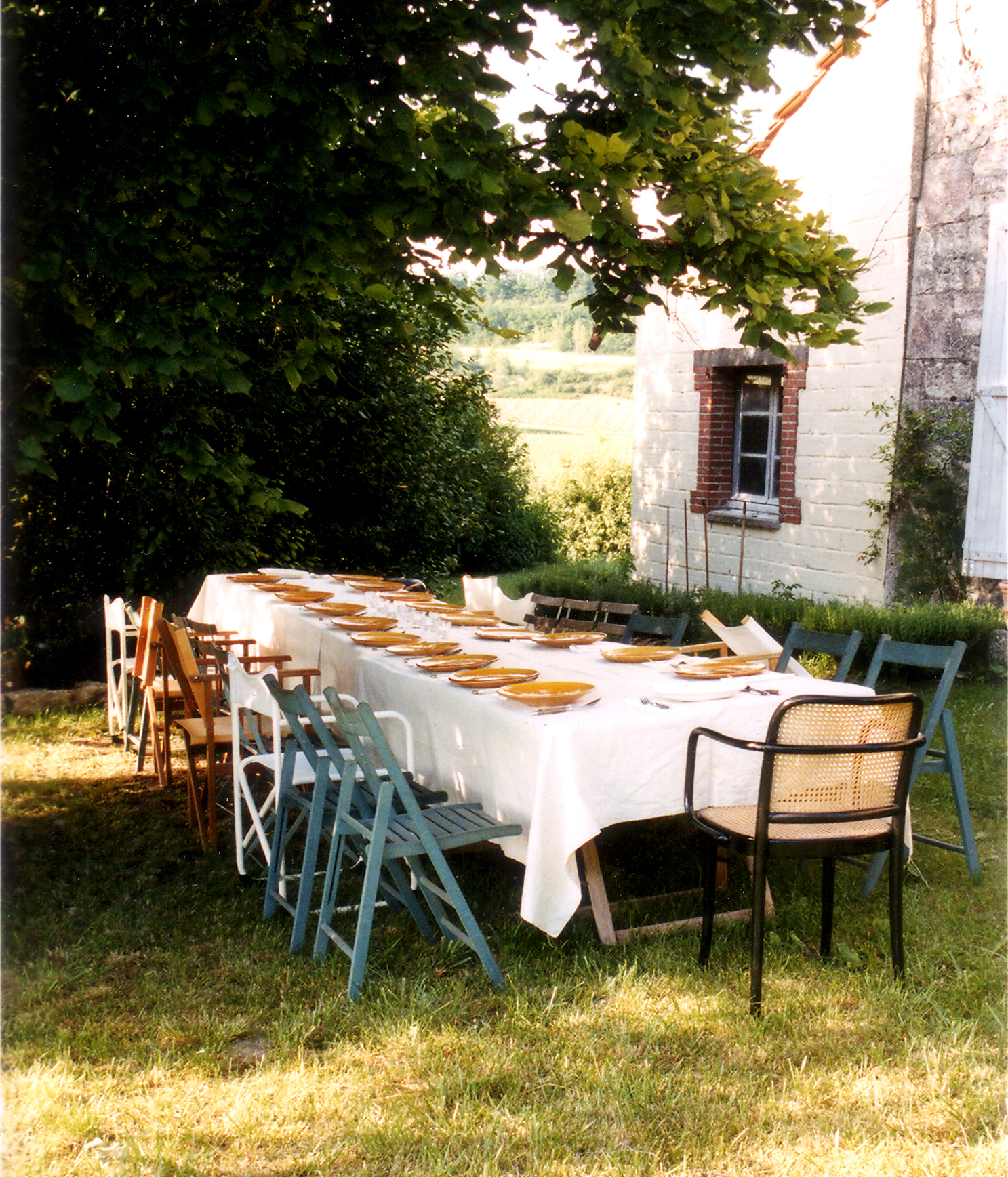 Table laid in the French garden