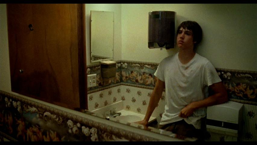 12_Bathroom.jpeg