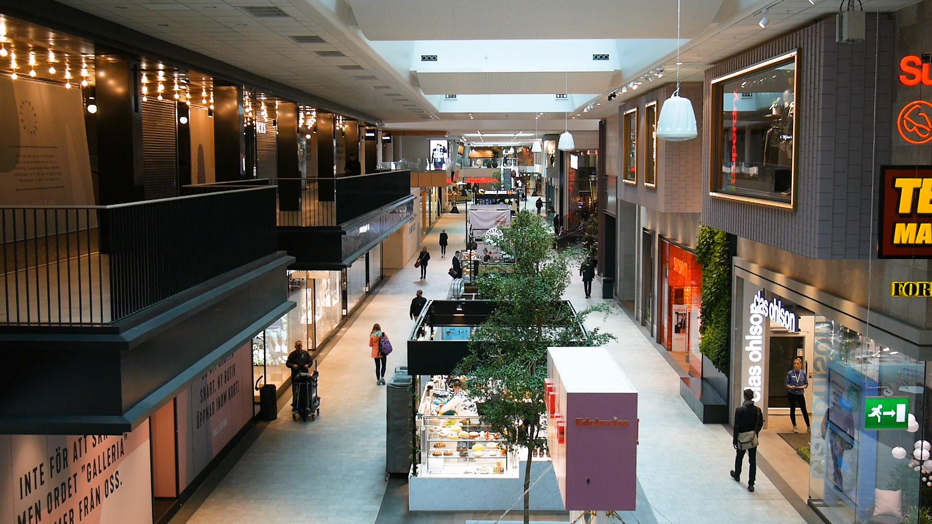 Gallerian.00_00_34_21.Still001.jpg