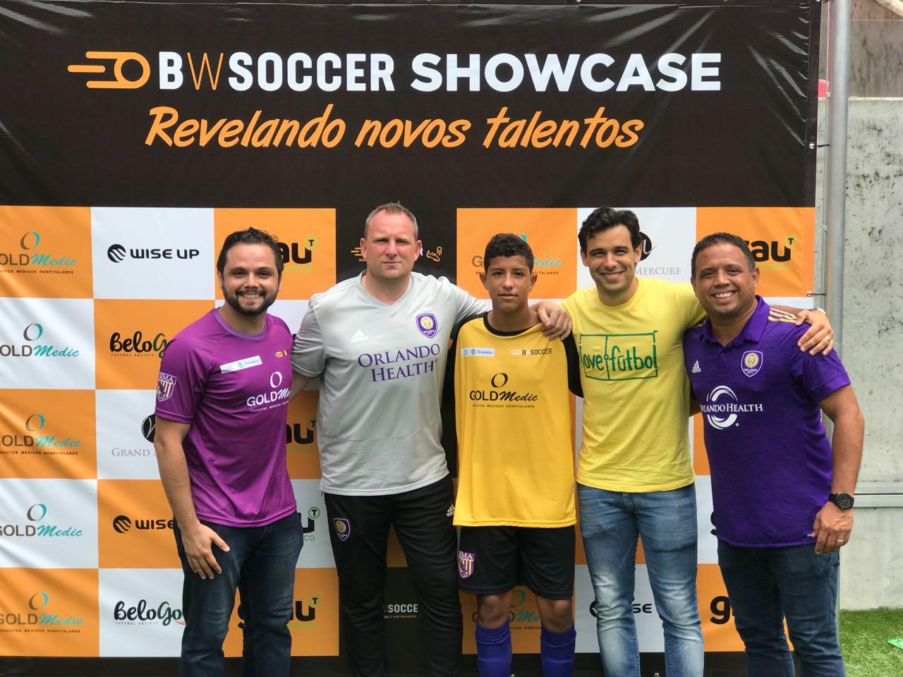 Equipe Brazil World, Diego e o diretor de operações da love.fútbol Mano Silva na seletiva.