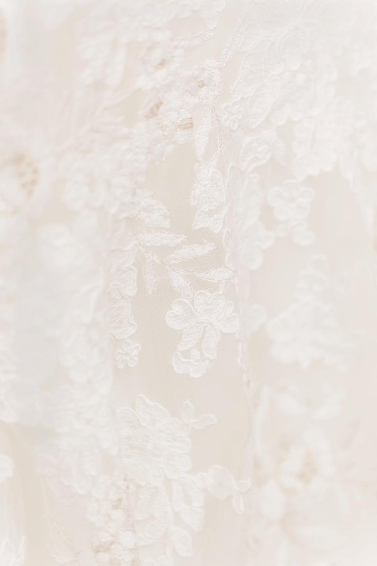 Beautiful Savior Luthern Church Green Bay WI, Rock Garden Wedding Reception, Enchanted Florist Wedding Flowers_3524.jpg