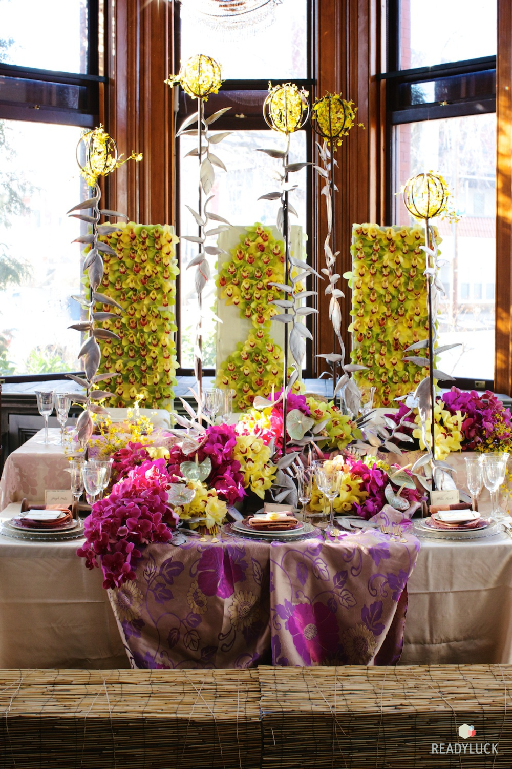 Editorial wedding table setting with flowers