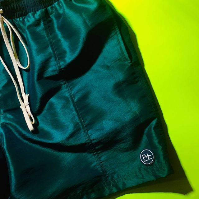 The Off Court short, the perfect compliment to our summer footwear capsule, we created a small lot of shorts with an amazing forest green Italian silk taffeta and burgundy iridescent gore Tex ( actually Prada deadstock fabric from 15 yrs ago💭), all pairs purchased from our studio in LA by word of mouth and some of you who dm'd us inquiring about the new collection, currently were completely sold out of shorts! Watch this space for fall footwear and apparel arriving soon to the web shop!! Deepest thanks to all who continue to support the journey 💯🙏🏾🌎👟✈️